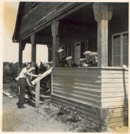 Boothaus Buschhagen 1937 mit Marine-HJ - Süd-Ansicht